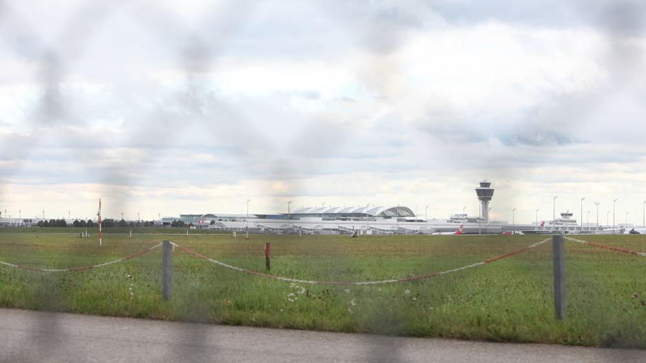 Archivbild: Blick auf den Münchner Flughafen
