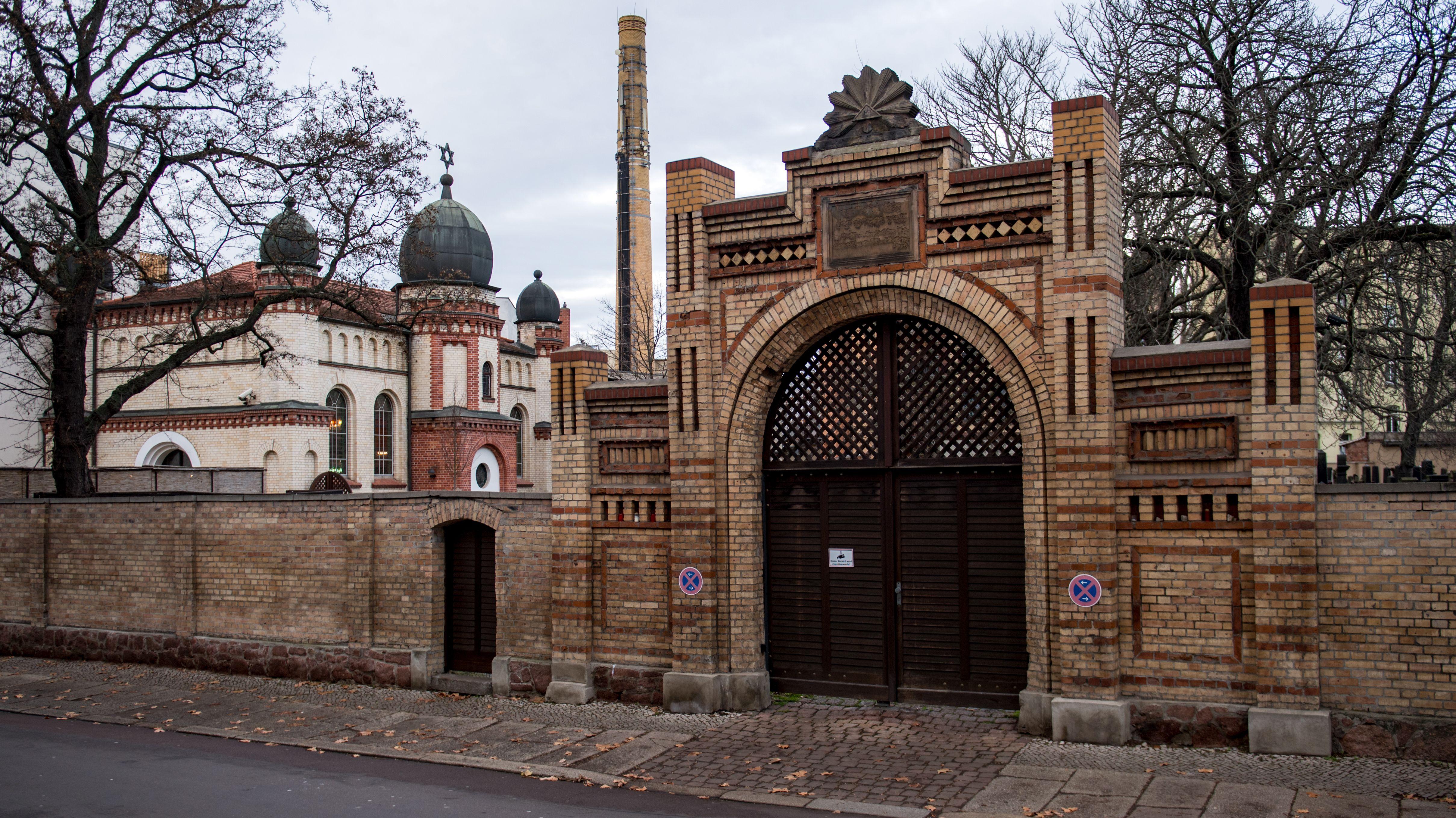 20.12.2019, Blick auf die Synagoge in Halle/Saale.