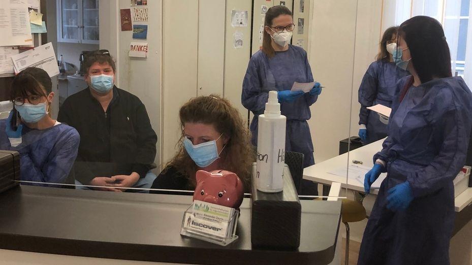 Hausarztpraxis in der Corona-Pandemie