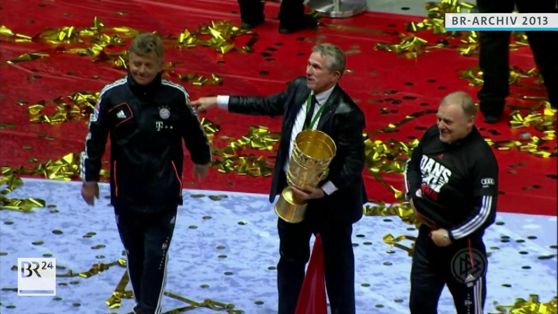 Jupp Heynckes mit seinen Co-Trainern nach dem Sieg im DFB-Pokalfinale 2013