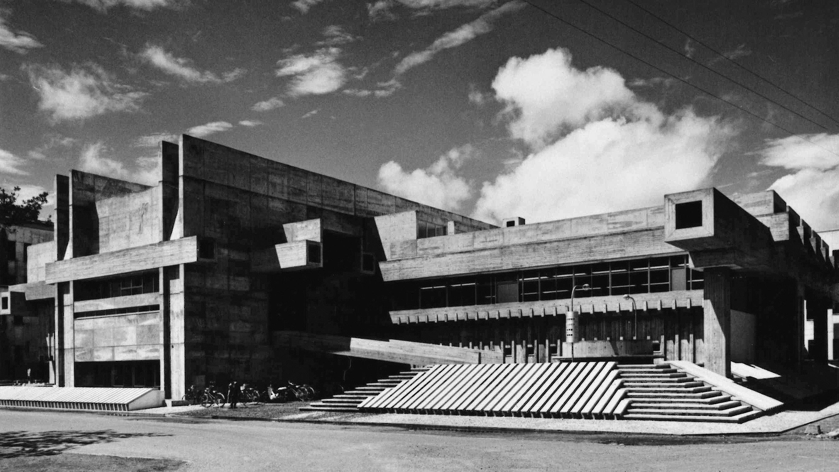 Wiederaufbau nach dem Krieg: Bibliothek in Ōita (1962-66)