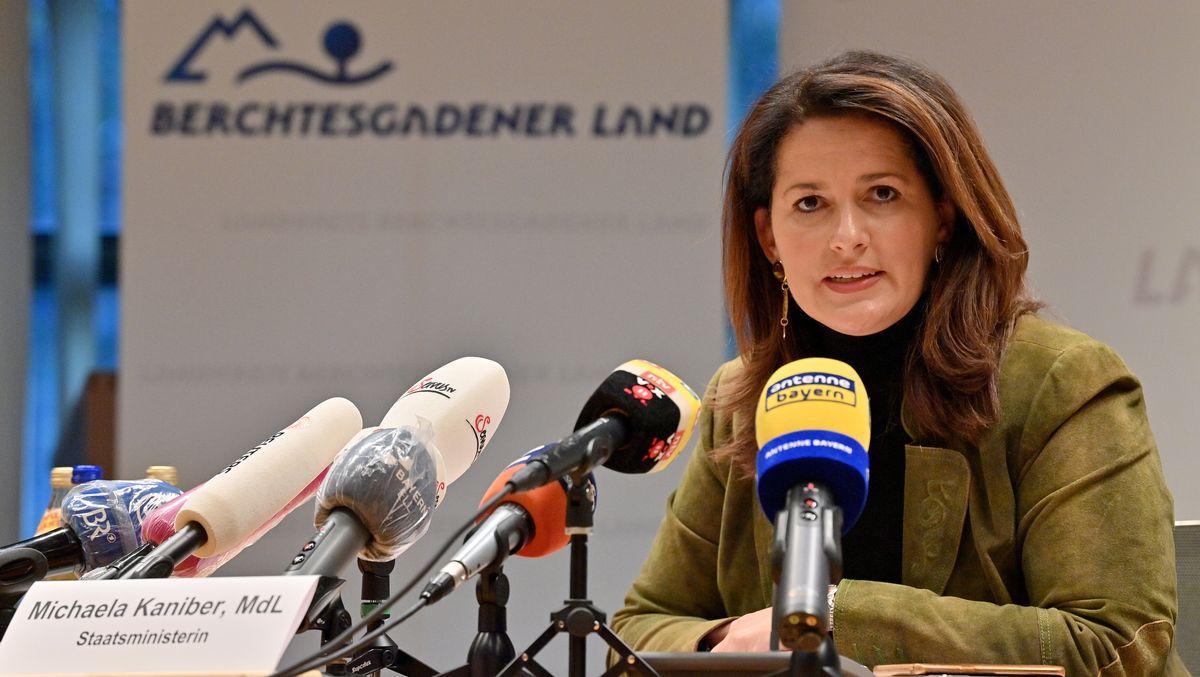 Bayerns Landwirtschaftsministerin Kaniber (CSU) bei einer Pressekonferenz zur Corona-Situation im Berchtesgadener Land am 19.10.20