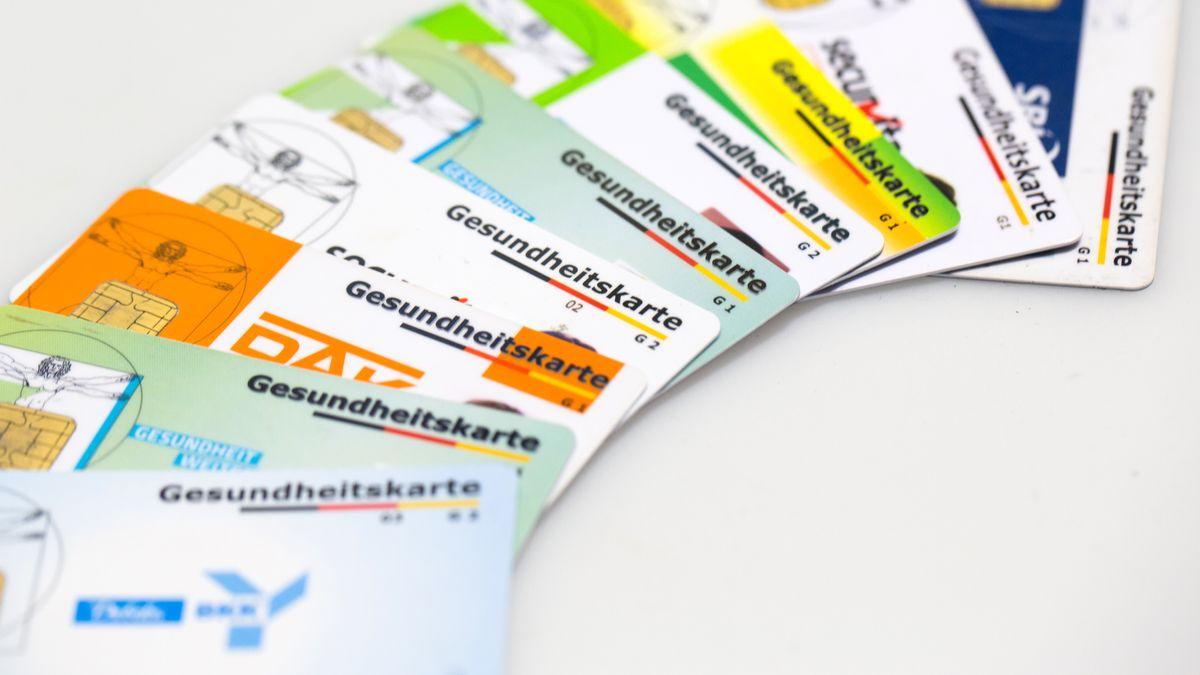 Versicherungskarten verschiedener gesetzlicher Krankenkassen