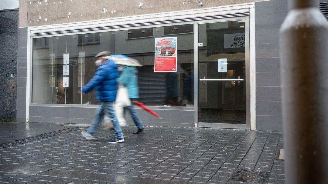 Leerstehendes ehemaliges Reisebüro in Mainz (Symbolbild)