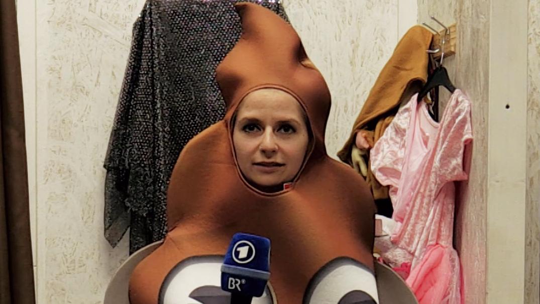 BR-Reporterin Nadine Cibu hat sich in einem Kostümladen umgeguckt.