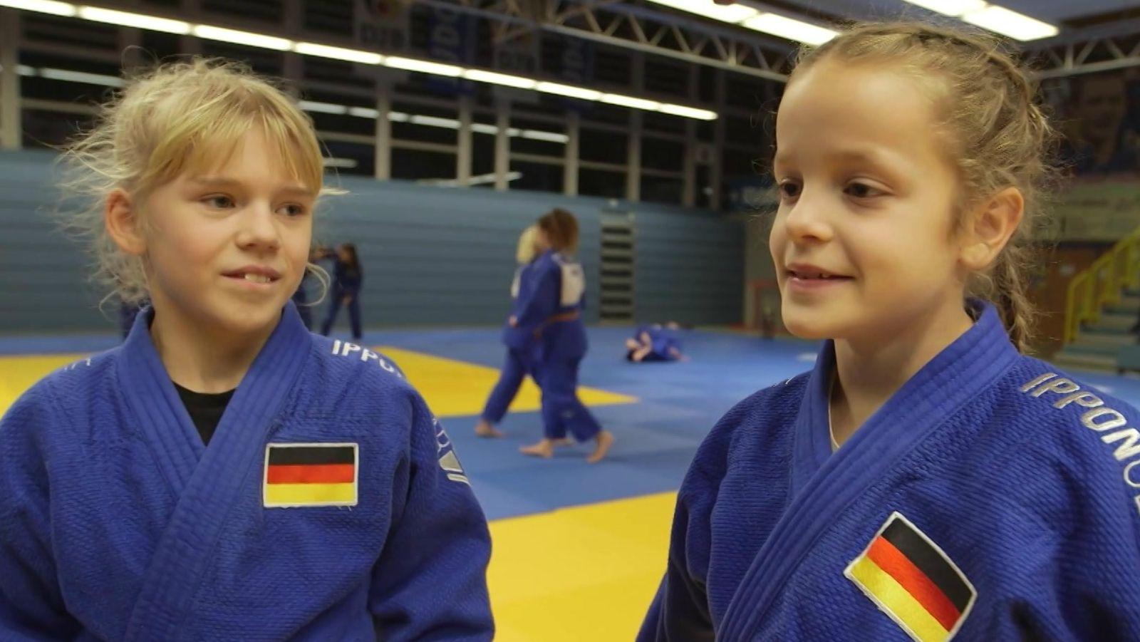 Jolina Reinhold vom TSV Abensberg und Maya Toszegi vom TSV Großhadern