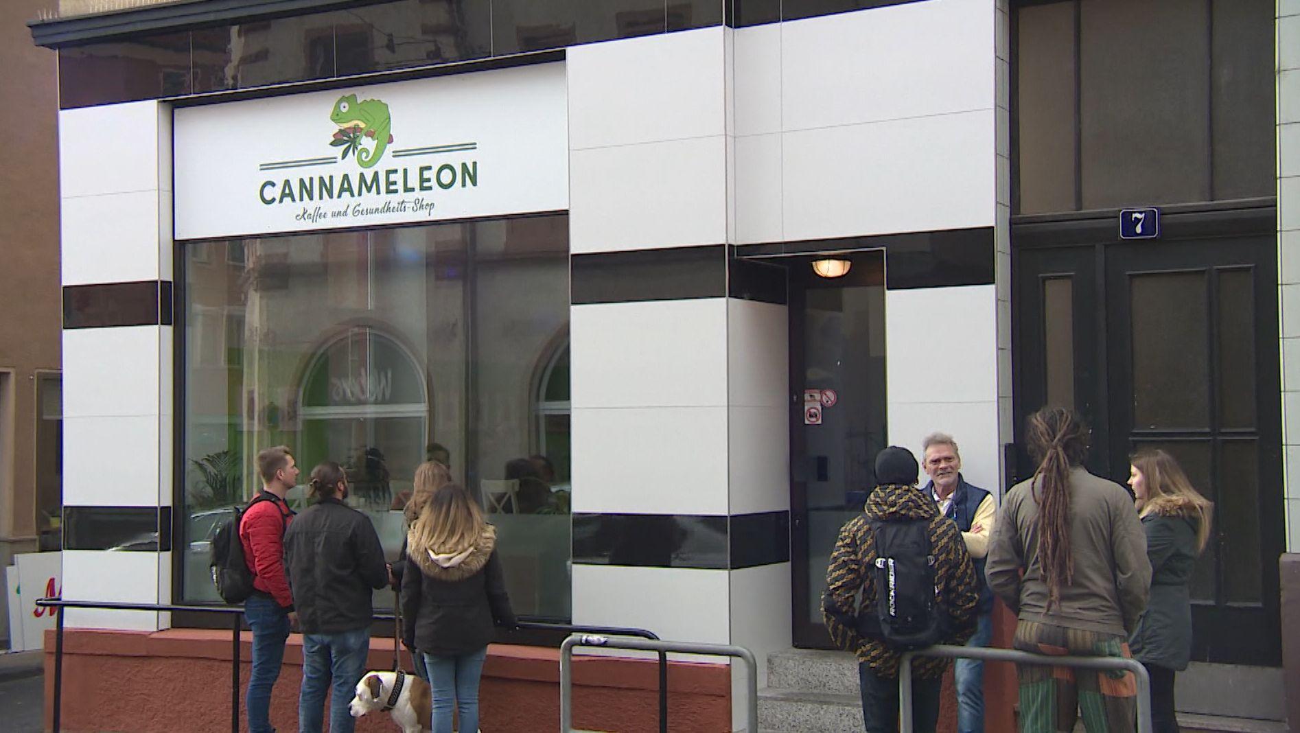 "Der ""Cannameleon""-Laden im Würzburger Stadtteil Grombühl"