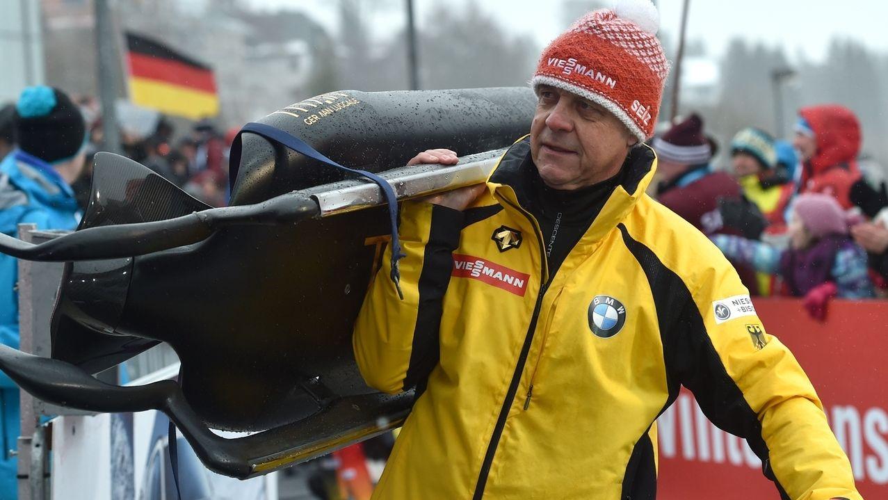 Rennrodel-Bundestrainer Norbert Loch