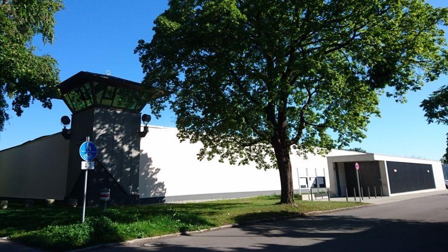 Außenansicht JVA Stadelheim