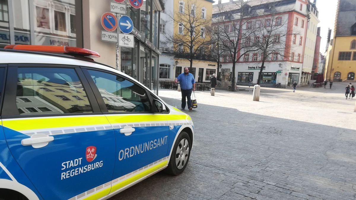 Ordnungsamt kontrolliert Ausgangsbeschränkung in Regensburg
