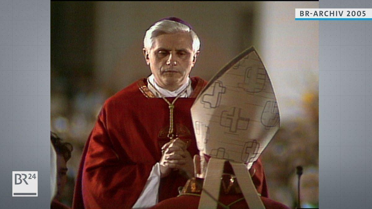Joseph Ratzinger bei der Bischofsweihe