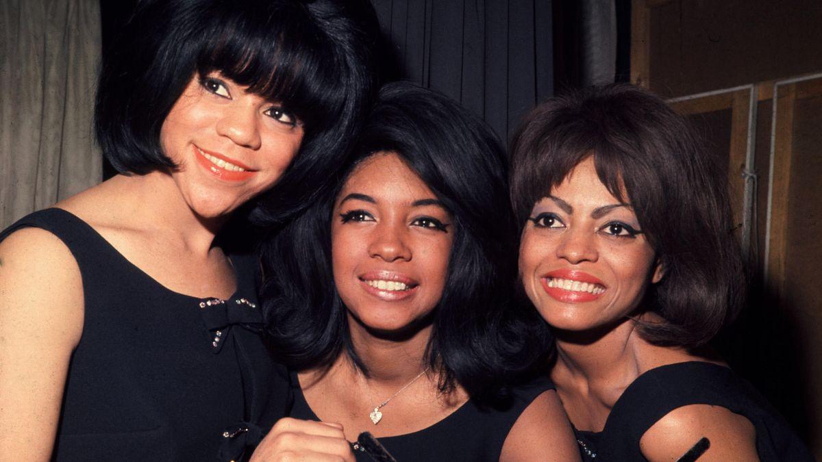 Mary Wilson (Mitte), Florence Ballard (links), Diana Ross (rechts)