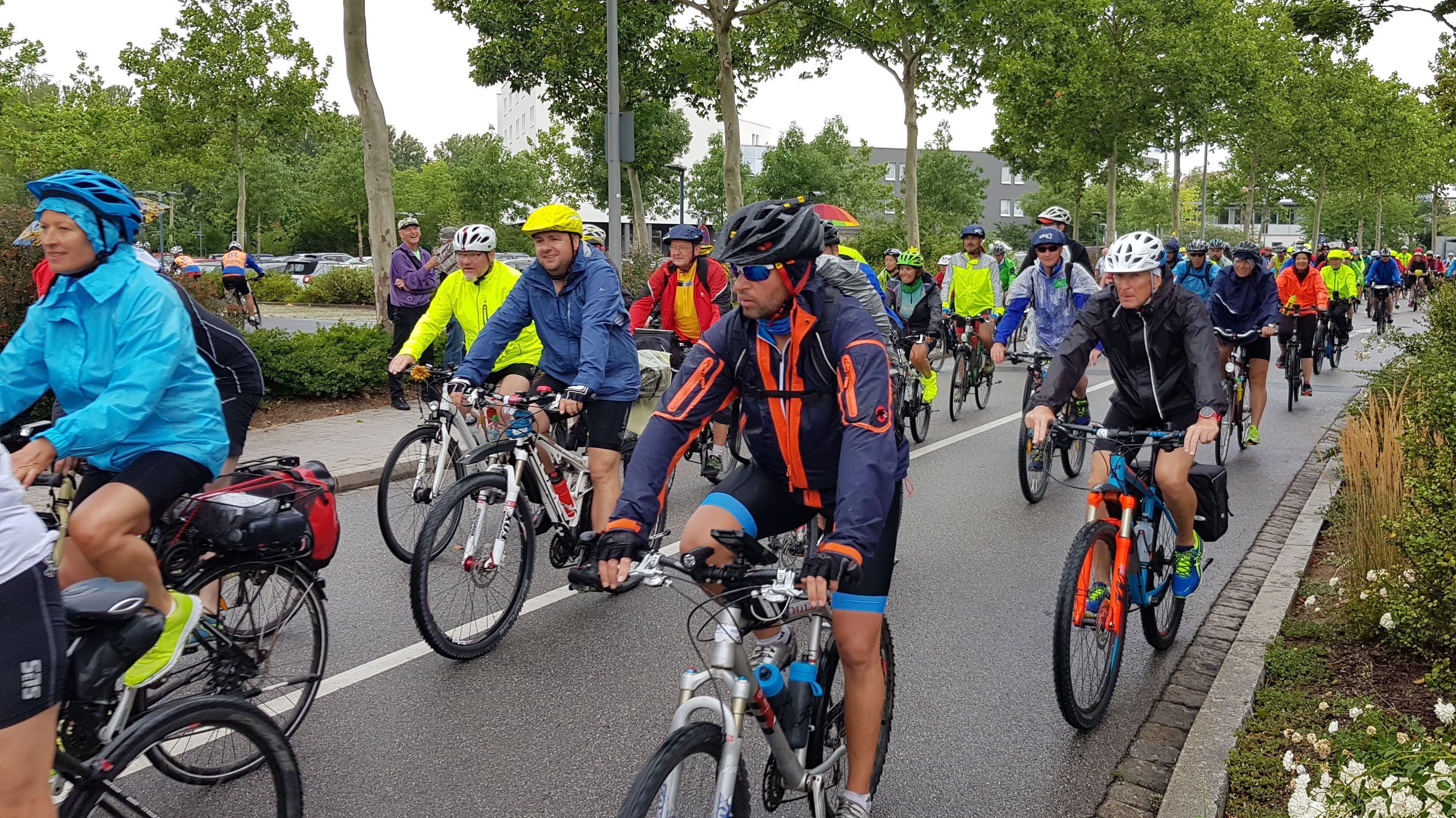 Am Mittag sind die 1.100 Teilnehmer der BR-Radltour in Amberg eingetroffen.