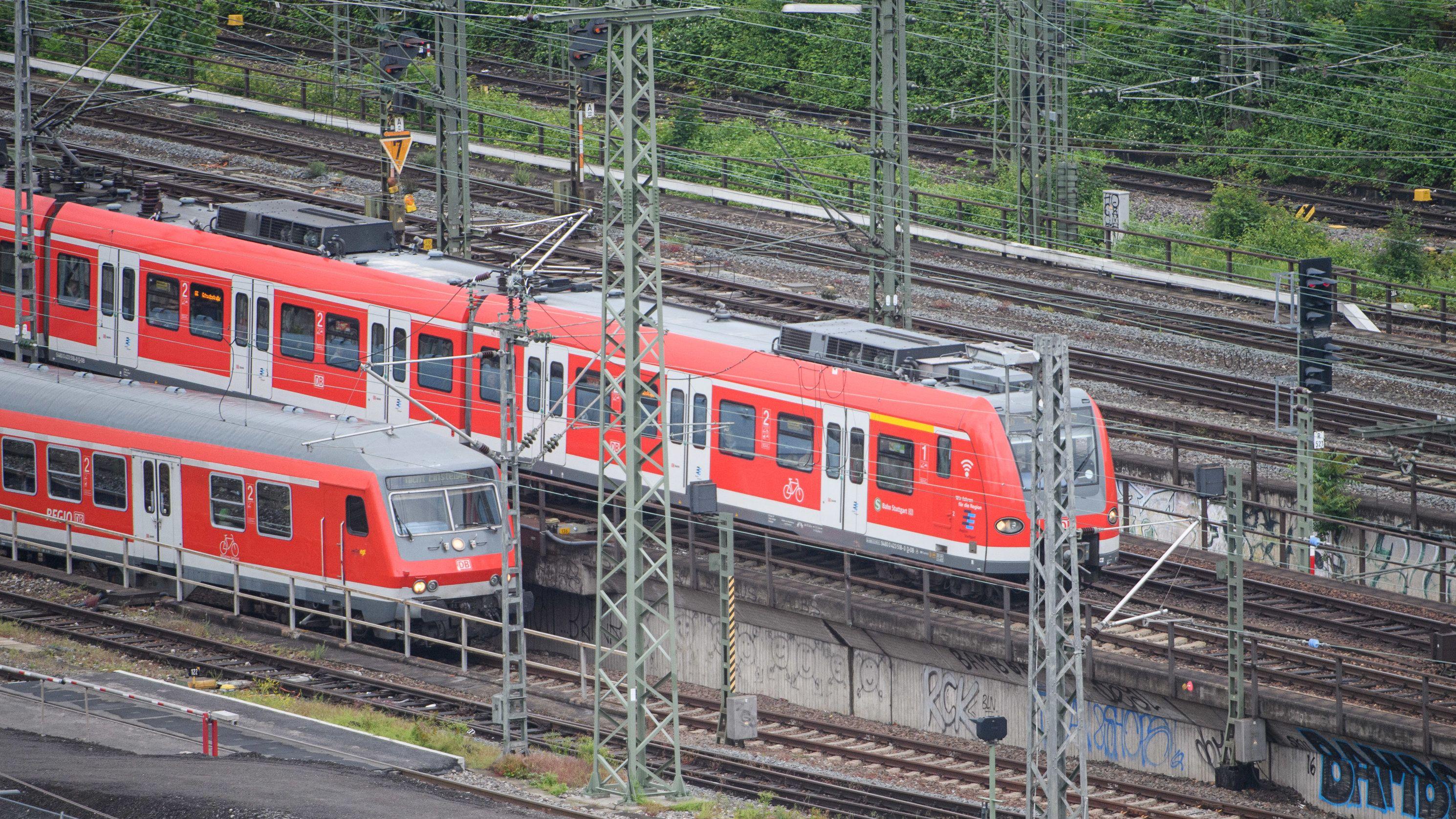 Die Elektrifizierung der Bahnstrecke Regensburg-Hof rückt näher. Der Bundesrat hat am Freitag ein Gesetz beschlossen, das dieses und andere wichtige Bauprojekte für den Zug- und Schiffsverkehr beschleunigen soll.