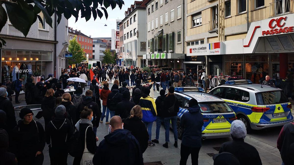 Antifa-Demo gegen Tattoostudio-Betreiber in Würzburg