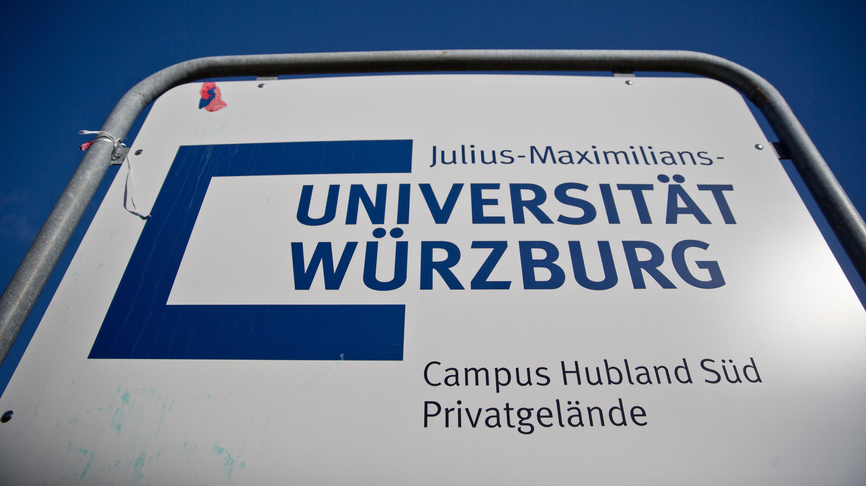 """Schild """"Universität Würzburg"""""""