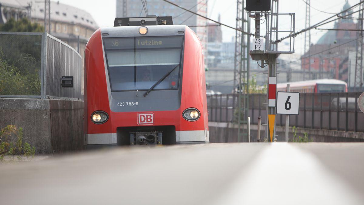 Die S6 ist eine der wenigen S-Bahnen, die am Wochenende durch die Stammstrecke fahren
