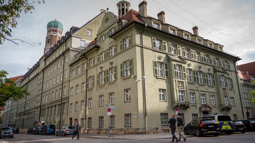 Polizeipräsidium München - gegen 36 Beamte wird aktuell wegen Drogendelikten ermittelt