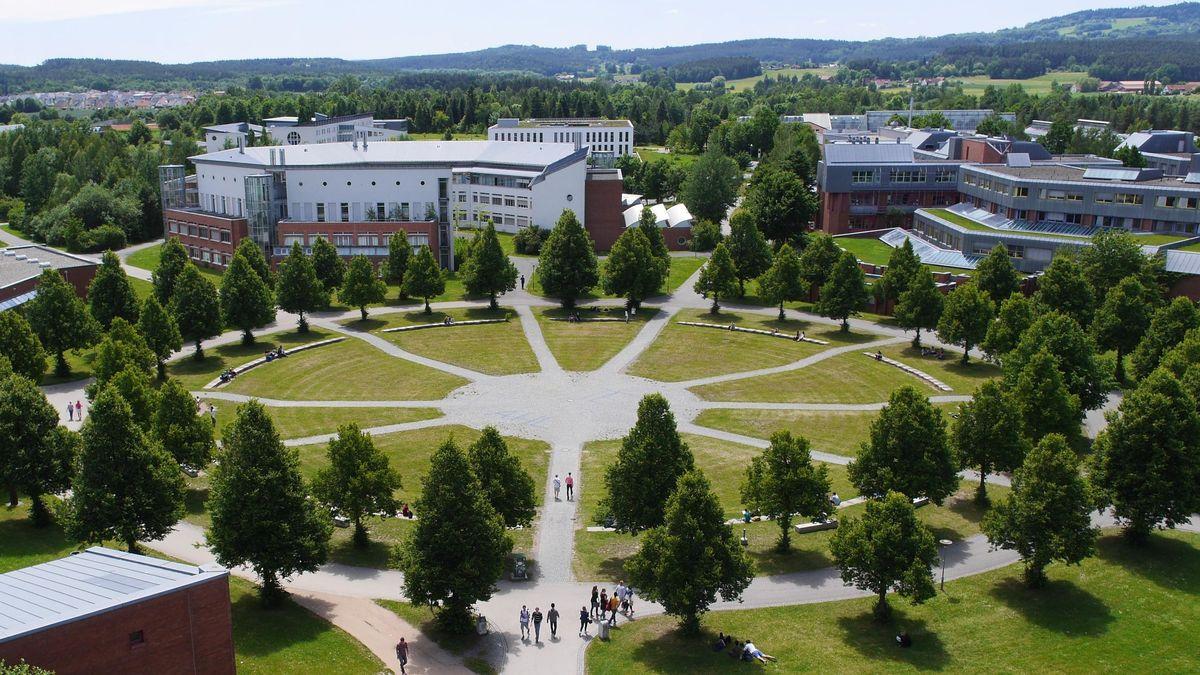 Campus der Uni Bayreuth aus der Vogelperspektive.