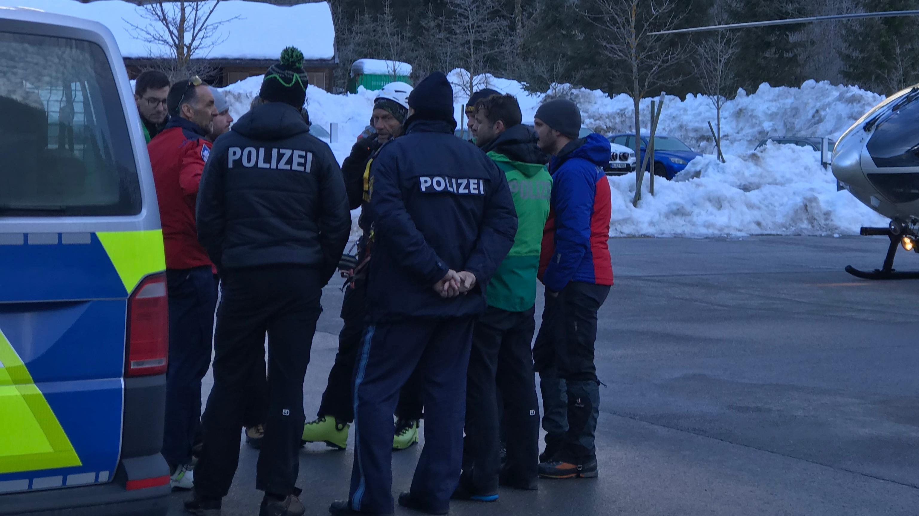 Die Suchmannschaft von Polizei und Bergwacht.