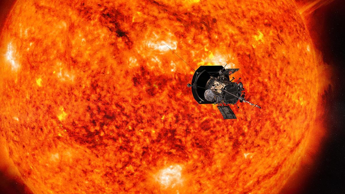Künstlerische Darstellung der Raumsonde Parker Solar Probe auf ihrem Weg zur Sonne