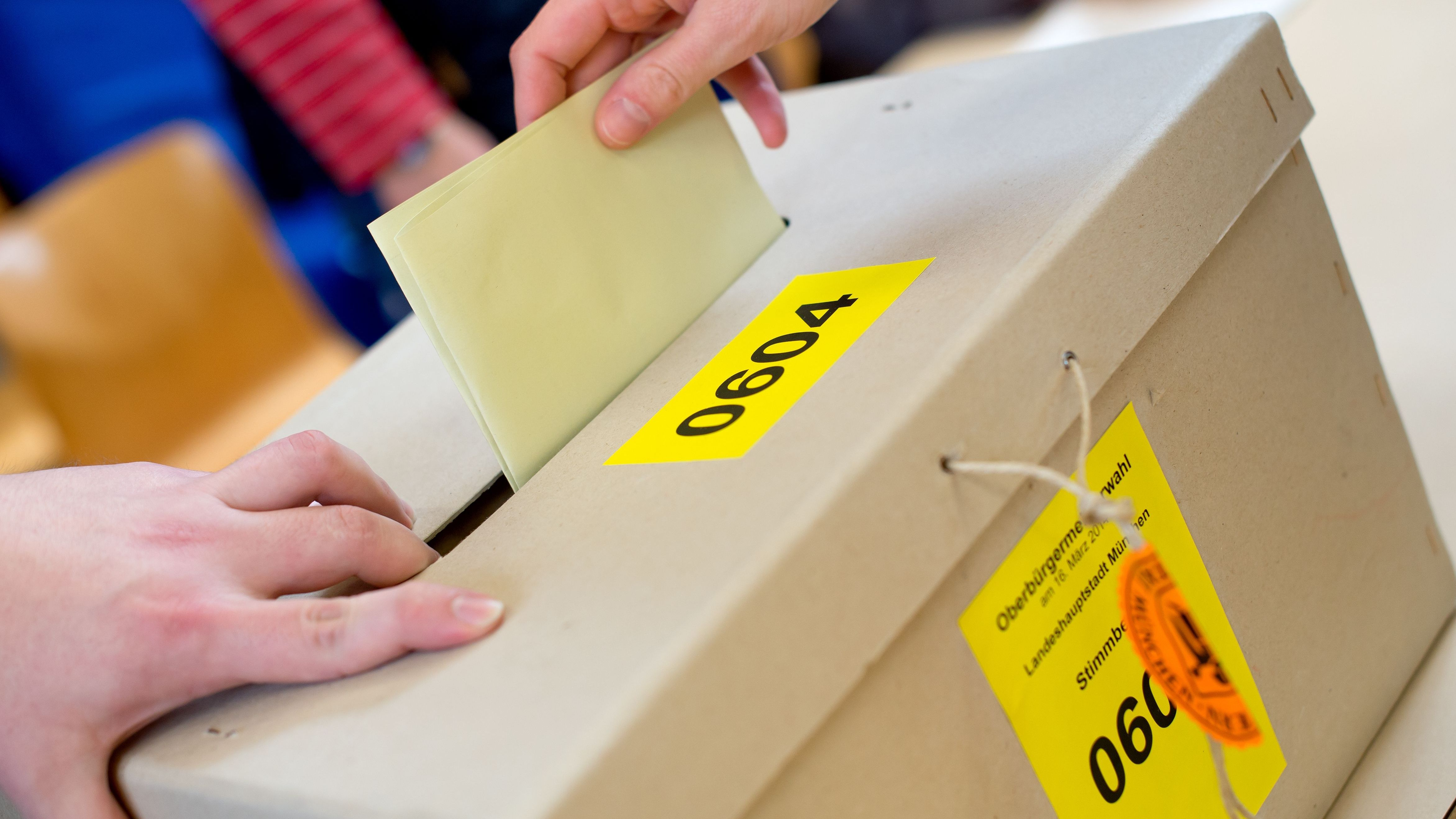 Wahlurne bei der Oberbürgermeisterwahl 2014 in München.