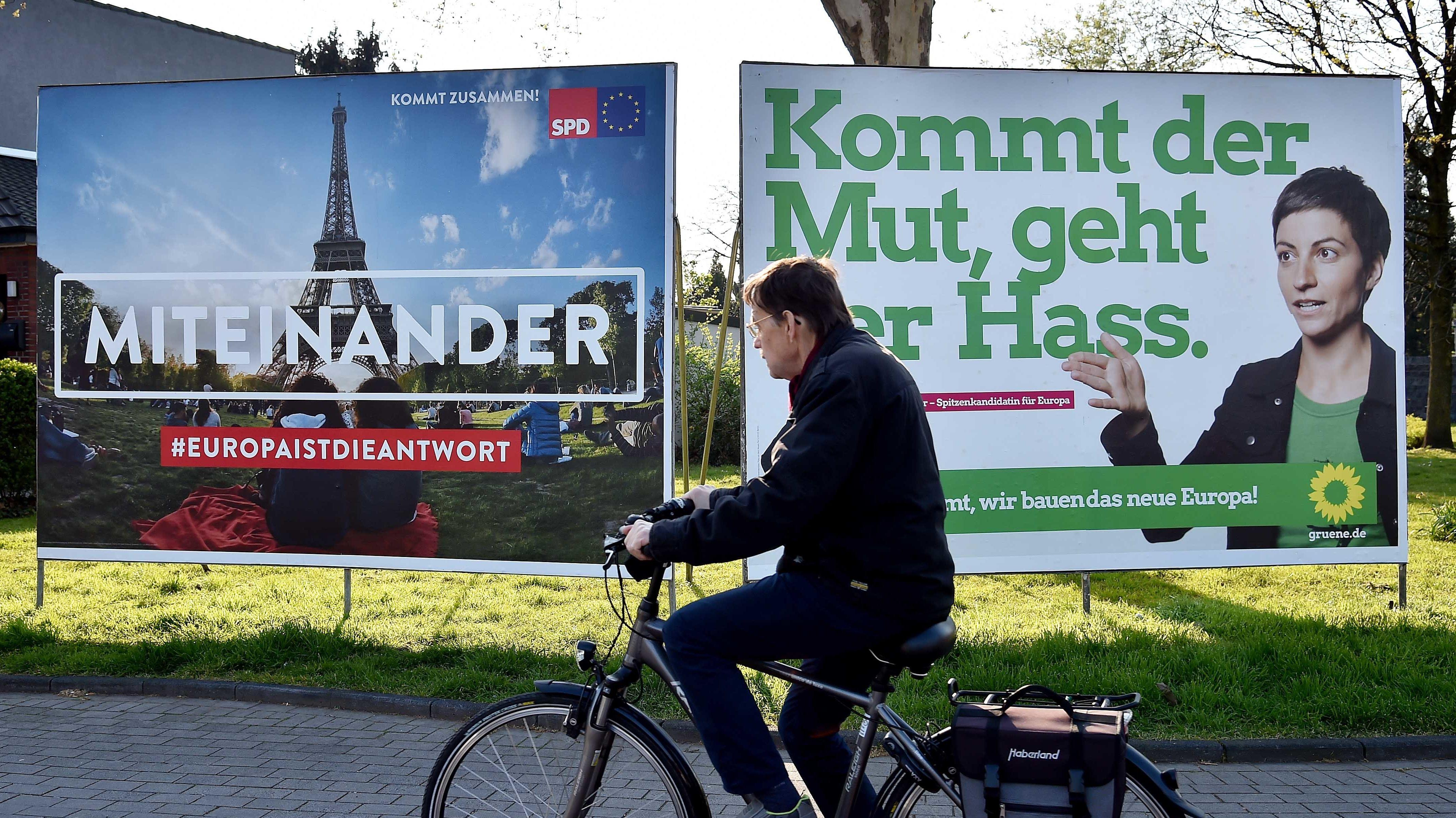 Symbolbild: Großflächige Wahlwerbung in NRW