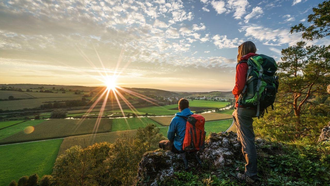 Sonnenuntergang auf dem Burgsteinfelsen im Altmühltal