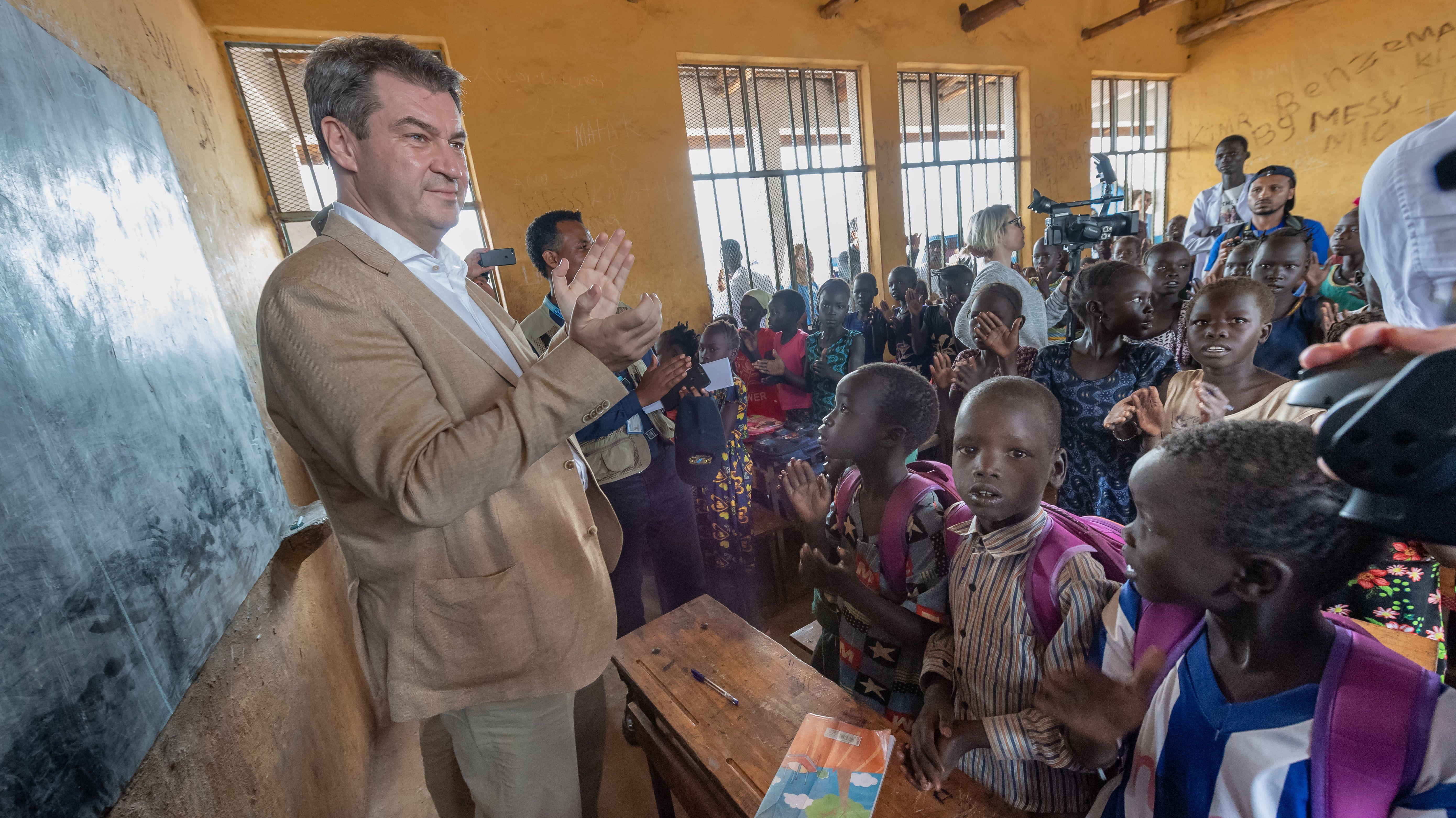 Archiv: Ministerpräsident Söder besucht in Äthiopien eine Schule