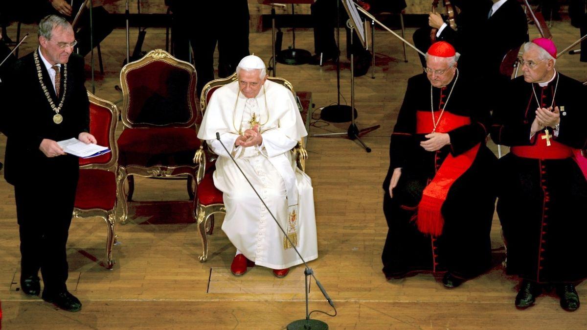 Papst Benedikt XVI. im Audimax der Uni Regensburg