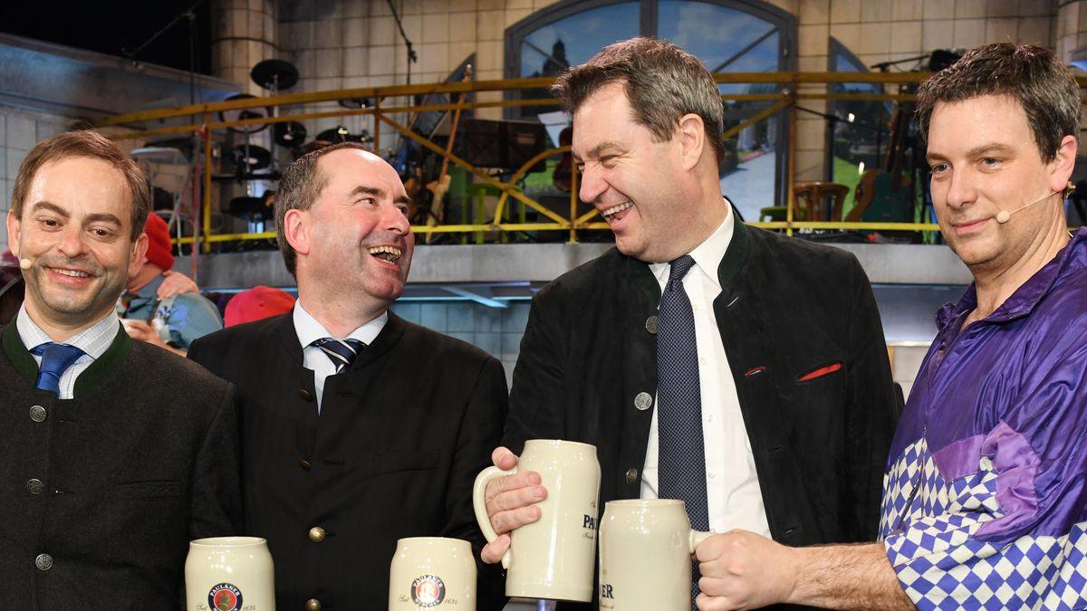 Wirtschaftsminister Hubert Aiwanger (links) und Ministerpräsident Markus Söder mit ihren Doubles auf dem Nockherberg 2019.