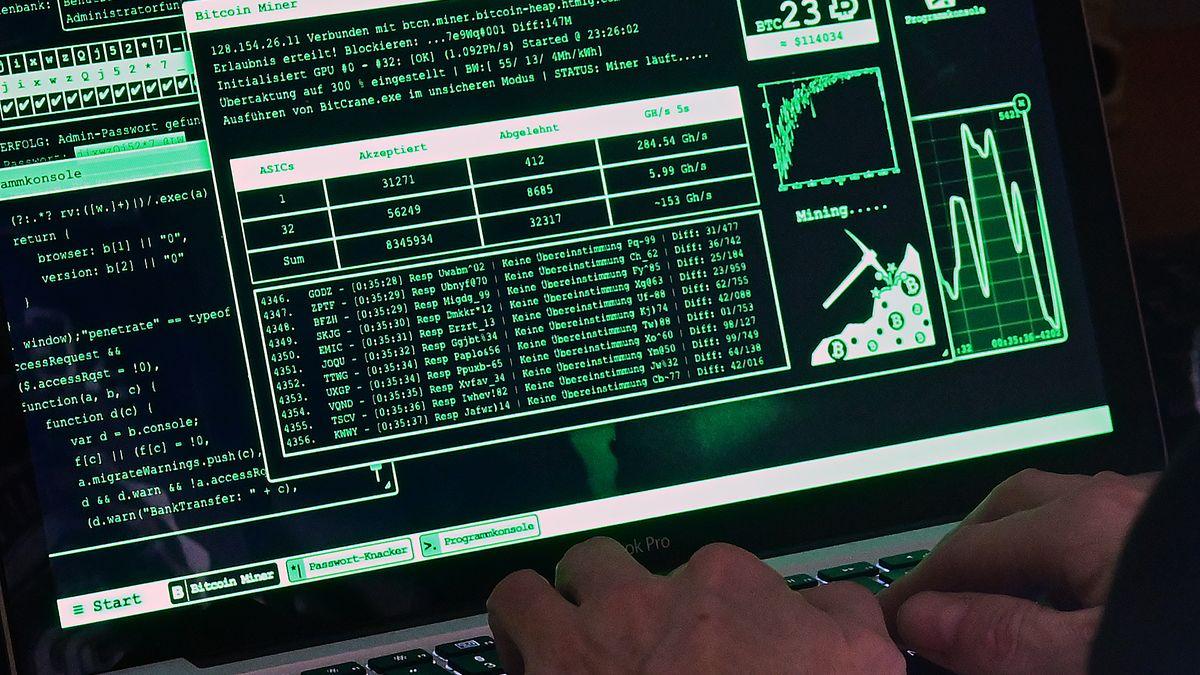 Ein Hacker bei der Arbeit