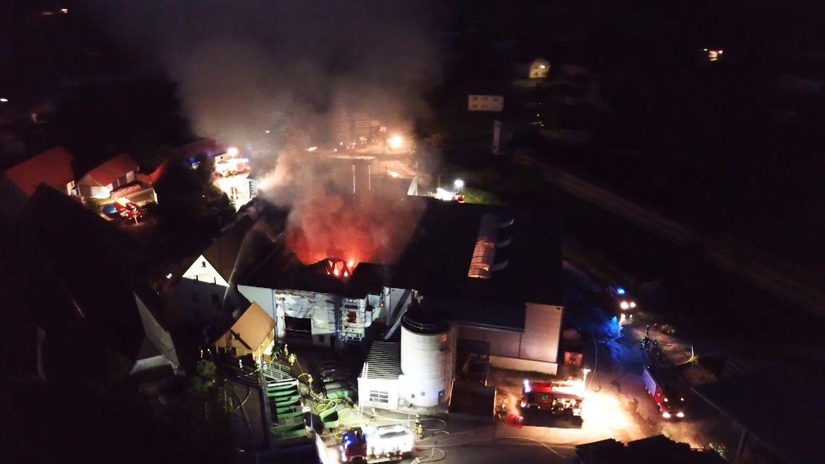 Lagerhalle in Geiselwind abgebrannt