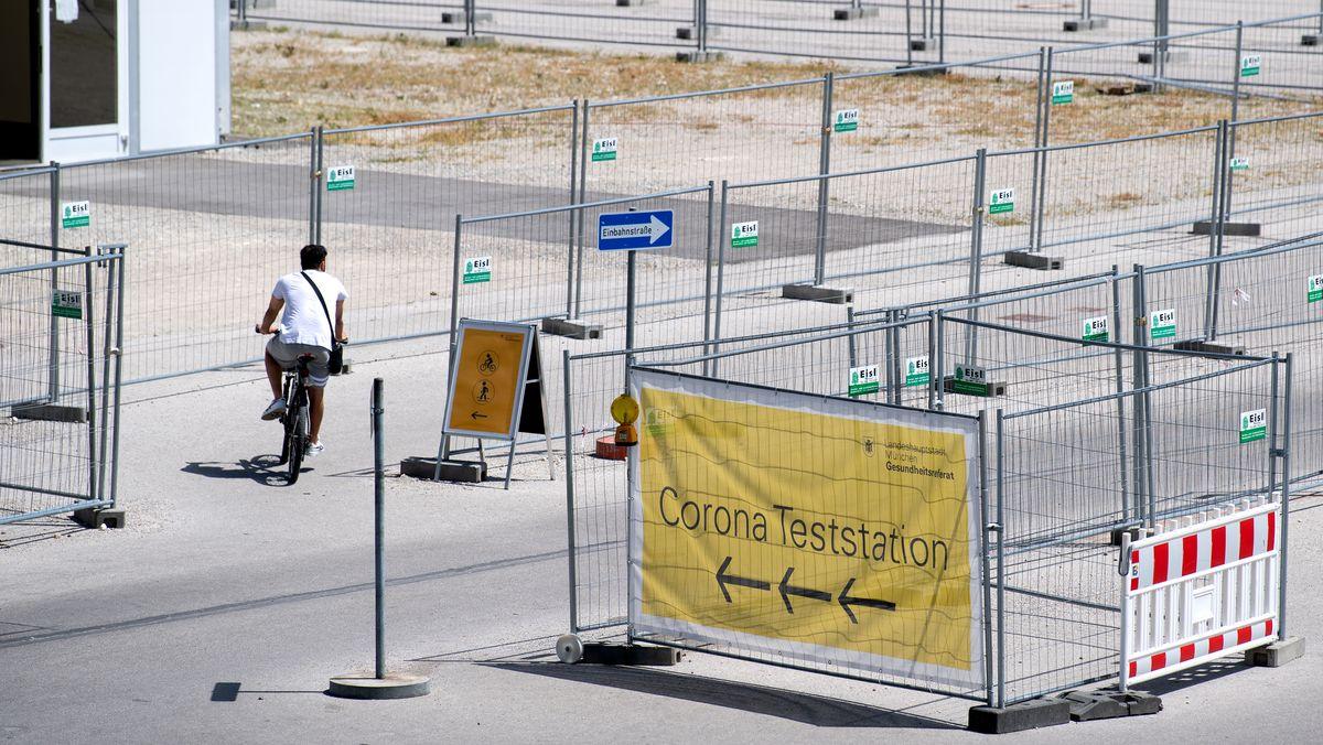 Seit einem Jahr kann sich jeder, der in Bayern lebt, kostenlos auf Corona testen lassen. Dies wird nun ab 1. Juli zum Teil eingeschränkt.