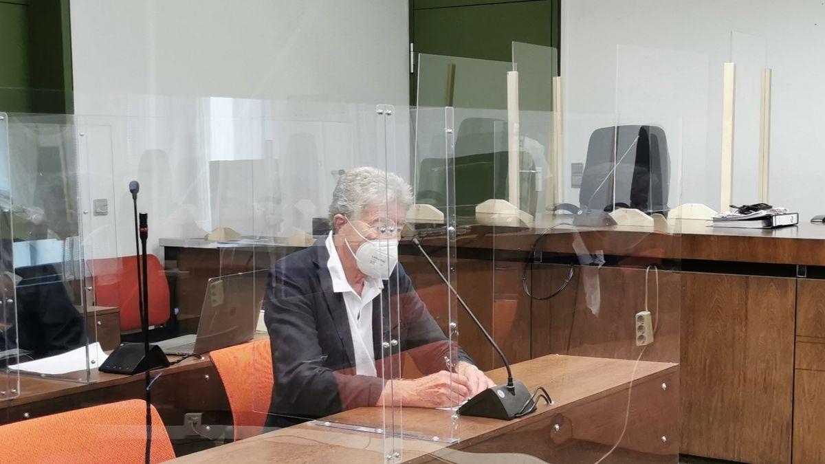 Thomas Pekny sitzt auf der Anklagebank.