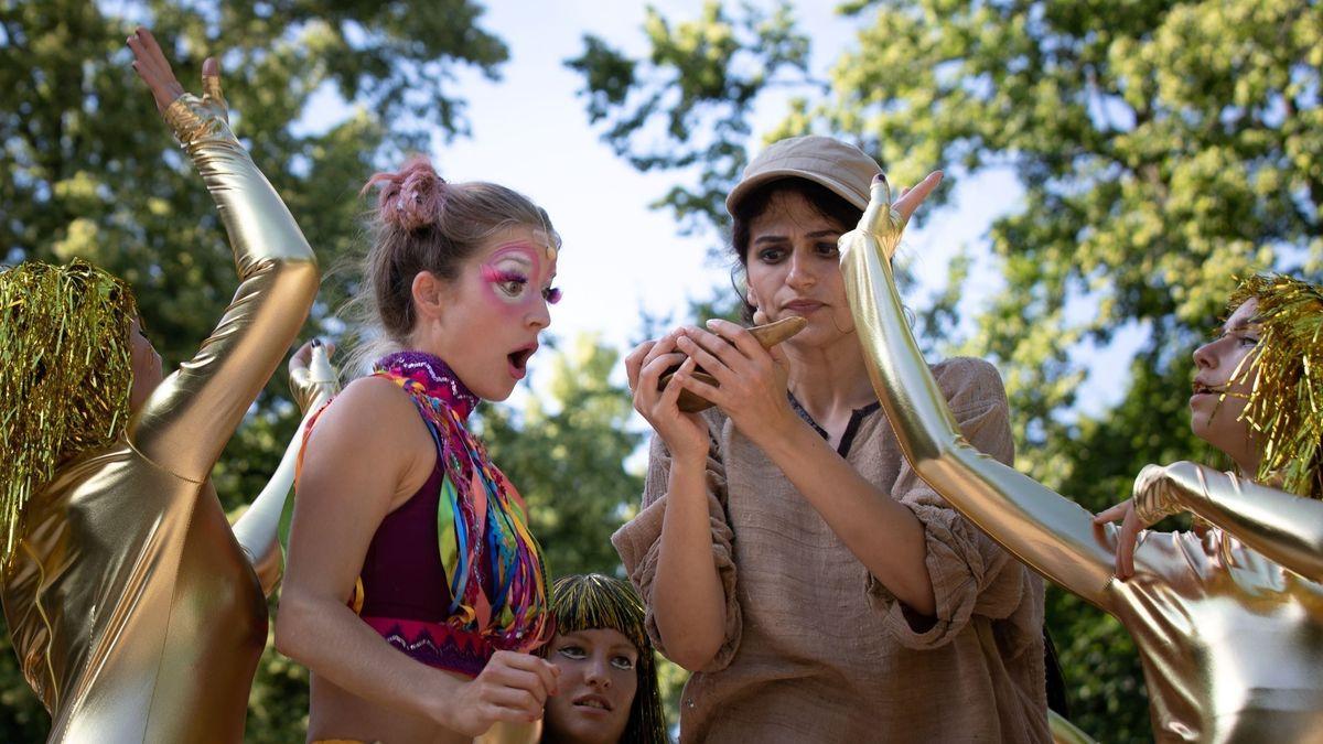 Aladin mit der Wunderlampe auf der Freilichtbühne in Kempten