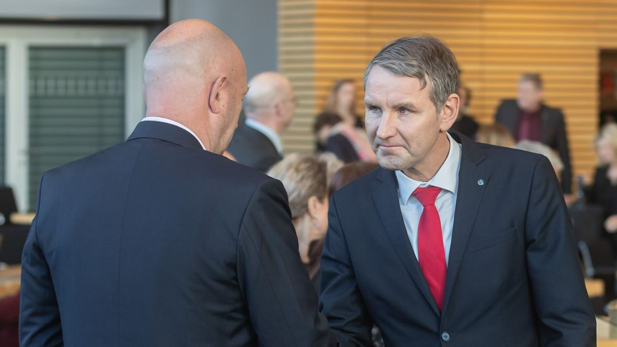 05.02.2020: Björn Höcke gratuliert Thomas L. Kemmerich zur Wahl