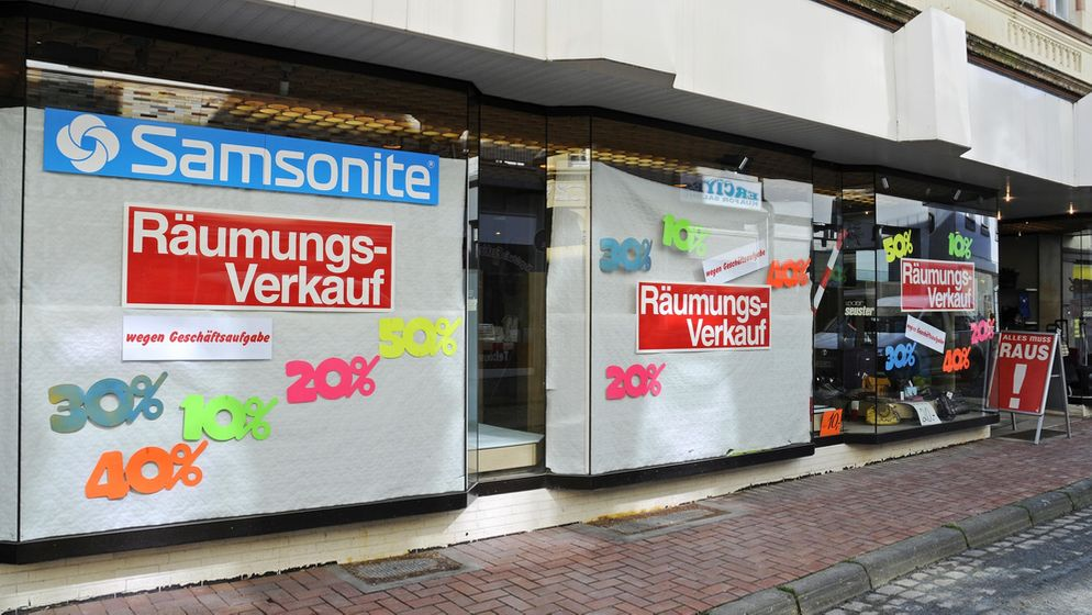 """Schaufenster mit Aufschrift """"Räumungsverkauf""""    Bild:dpa/picture alliance"""
