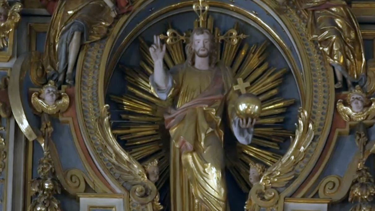 Jesusfigur in der St. Michaelskirche München