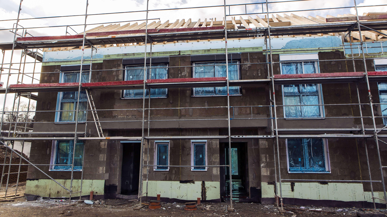 Baustelle von Mehrfamilienhäusern