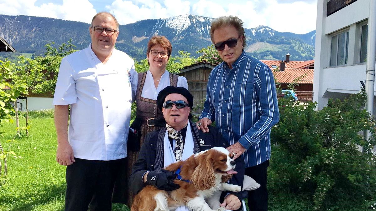 Besuch von Siegfried und Roy beim Entenwirt Hochries.