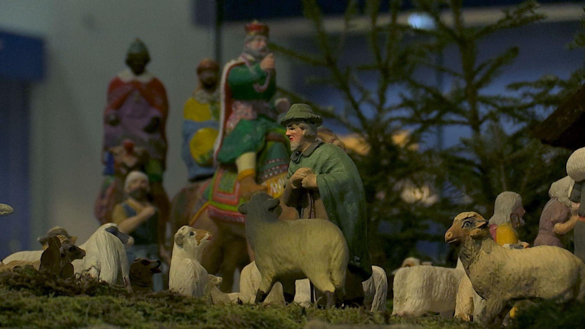 Marktredwitzer Krippenfiguren: Schafe, ein Hirte und die Heiligen Drei Könige