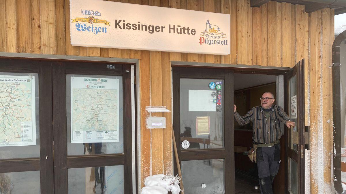 Manfred Egert, Vorstand des Rhönklubs Bad Kissingen, vor der Kissinger Hütte