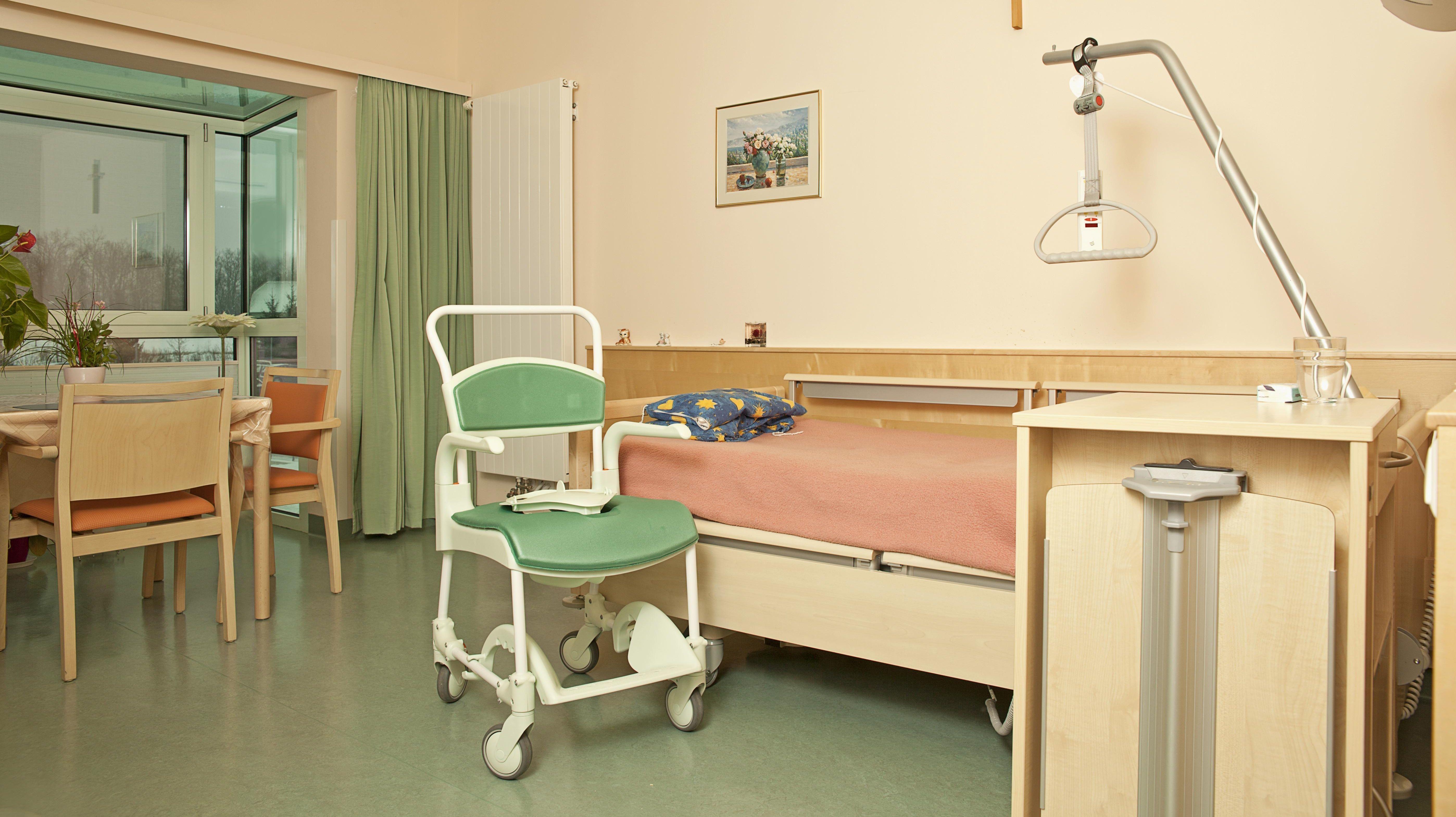 Leeres Zimmer im Pflegeheim