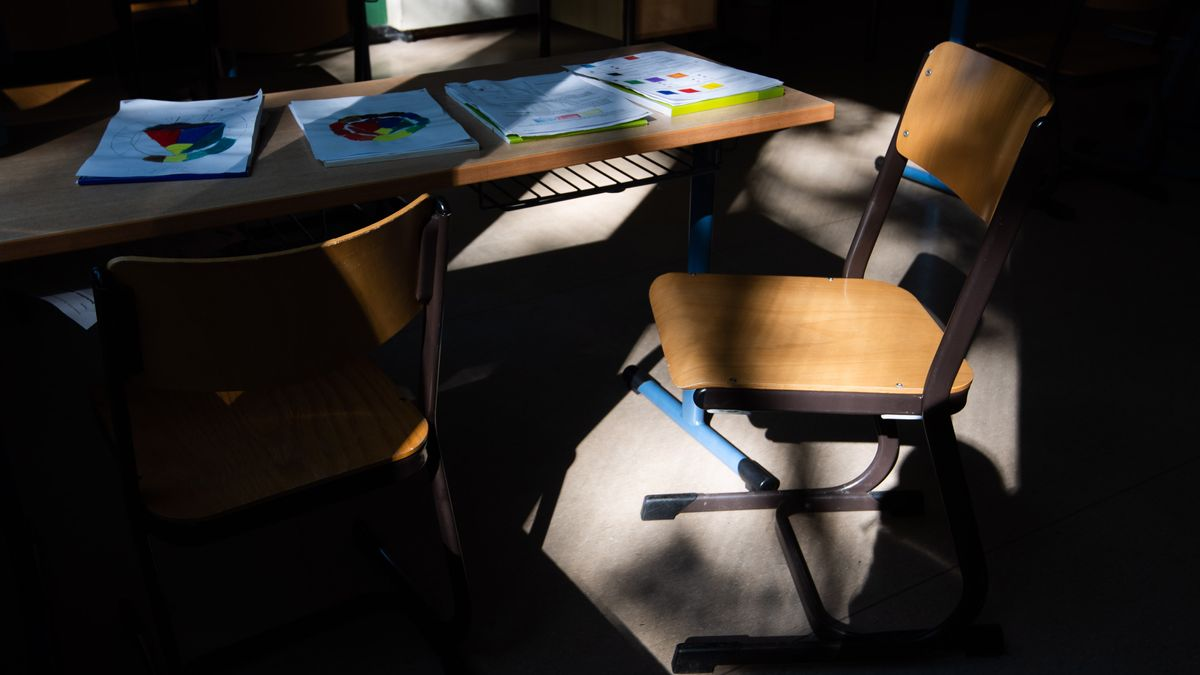 Symbolbild leeres Klassenzimmer