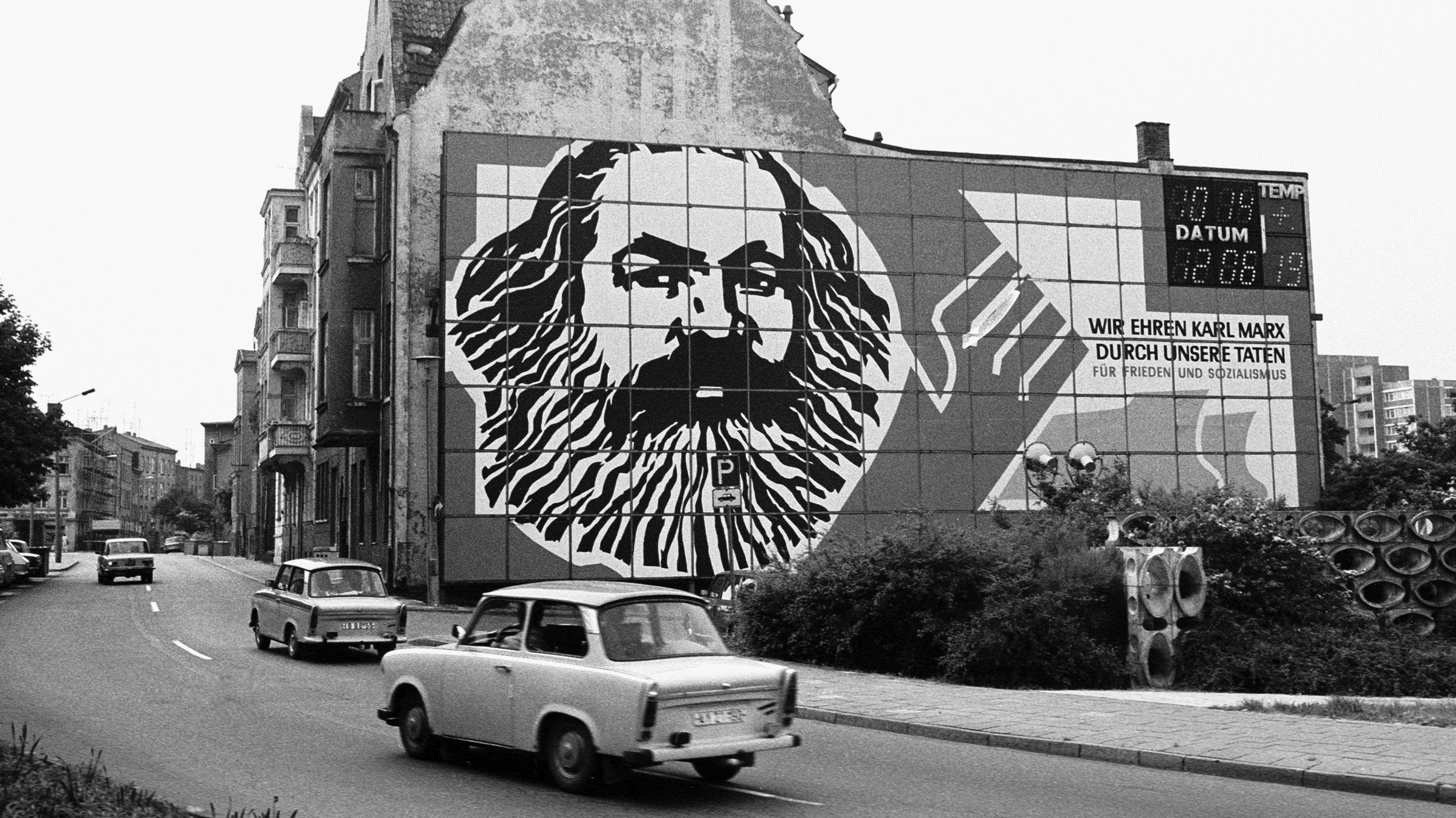 Wie der Käfer für das Wirtschaftswunder, steht der Trabbi für die unaufhaltsame Fortentwicklung des Sozialismus.