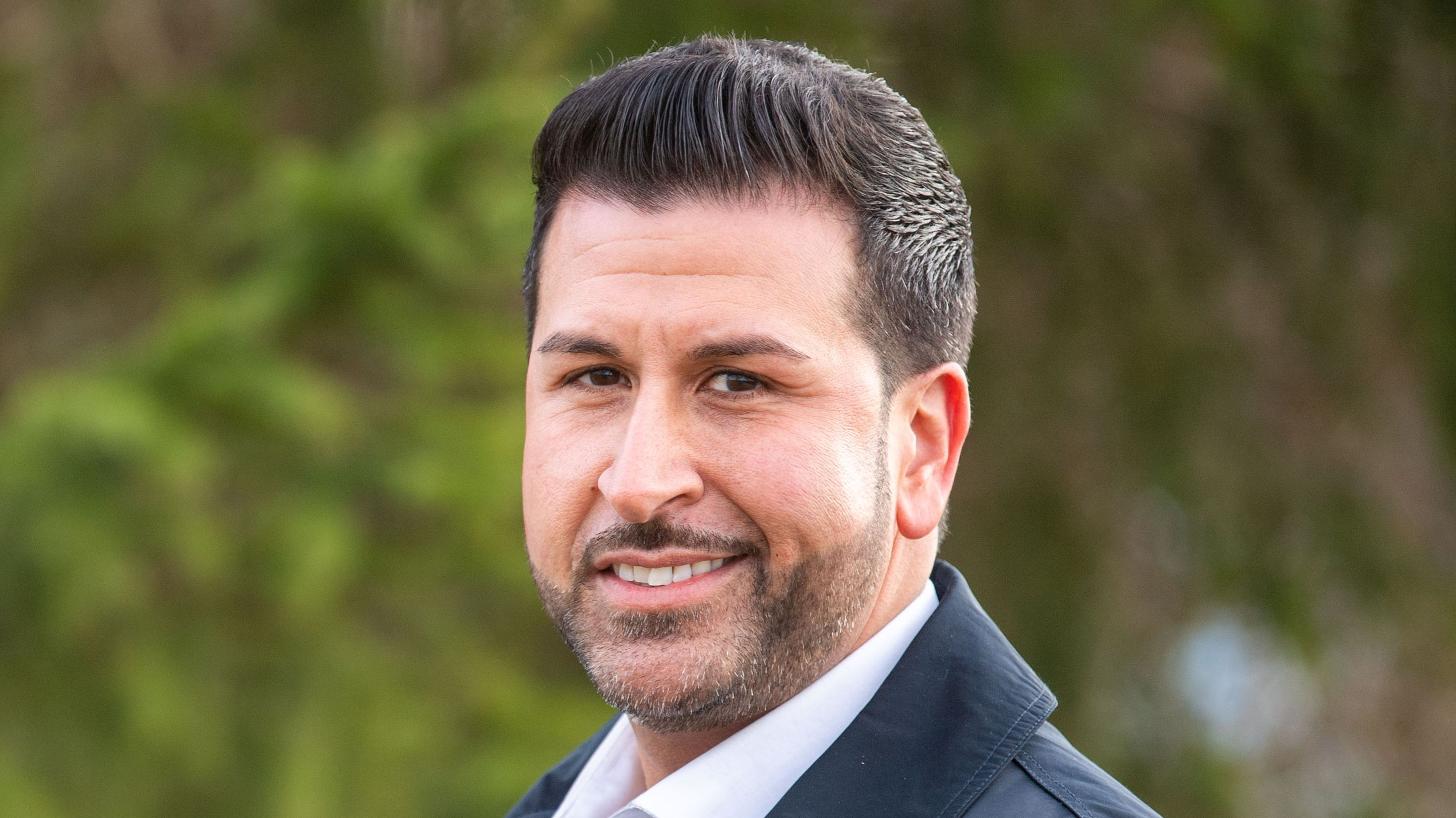Ozan Iyibas, türkischstämmiger Bürgermeisterkandidat in Neufahrn bei Freising