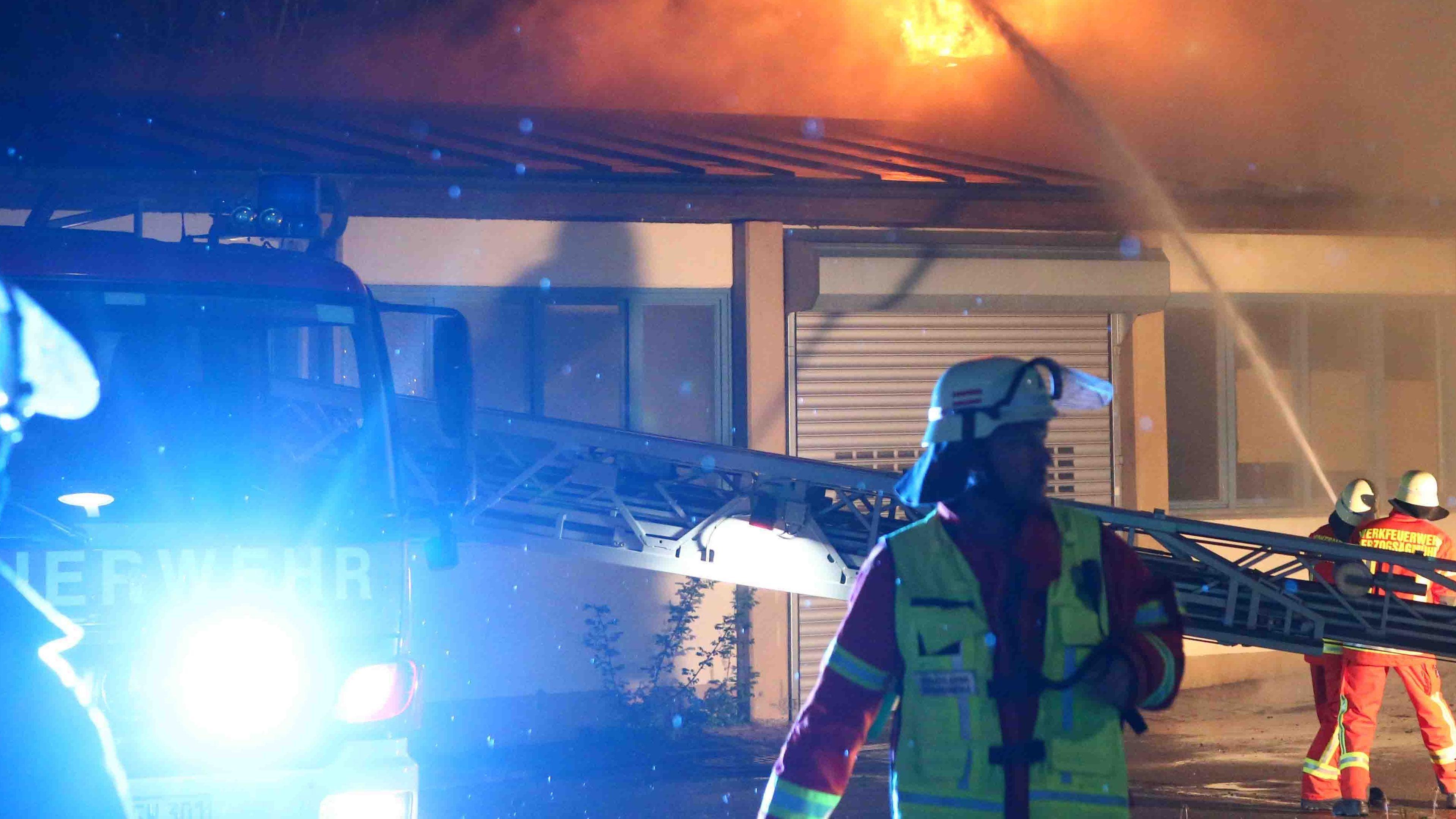 Brand der Herzogsägmühle in Peiting.