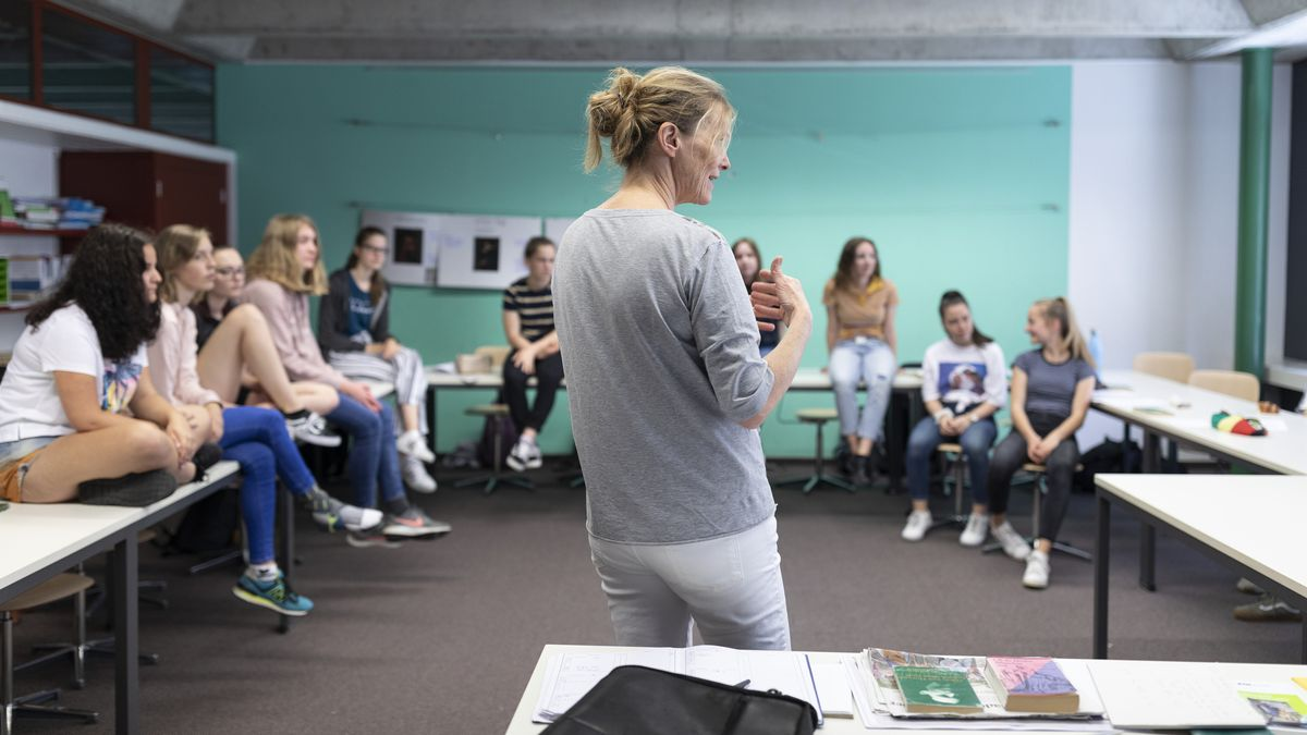 Schülerinnen und Schüler im Unterricht (Symbolbild)