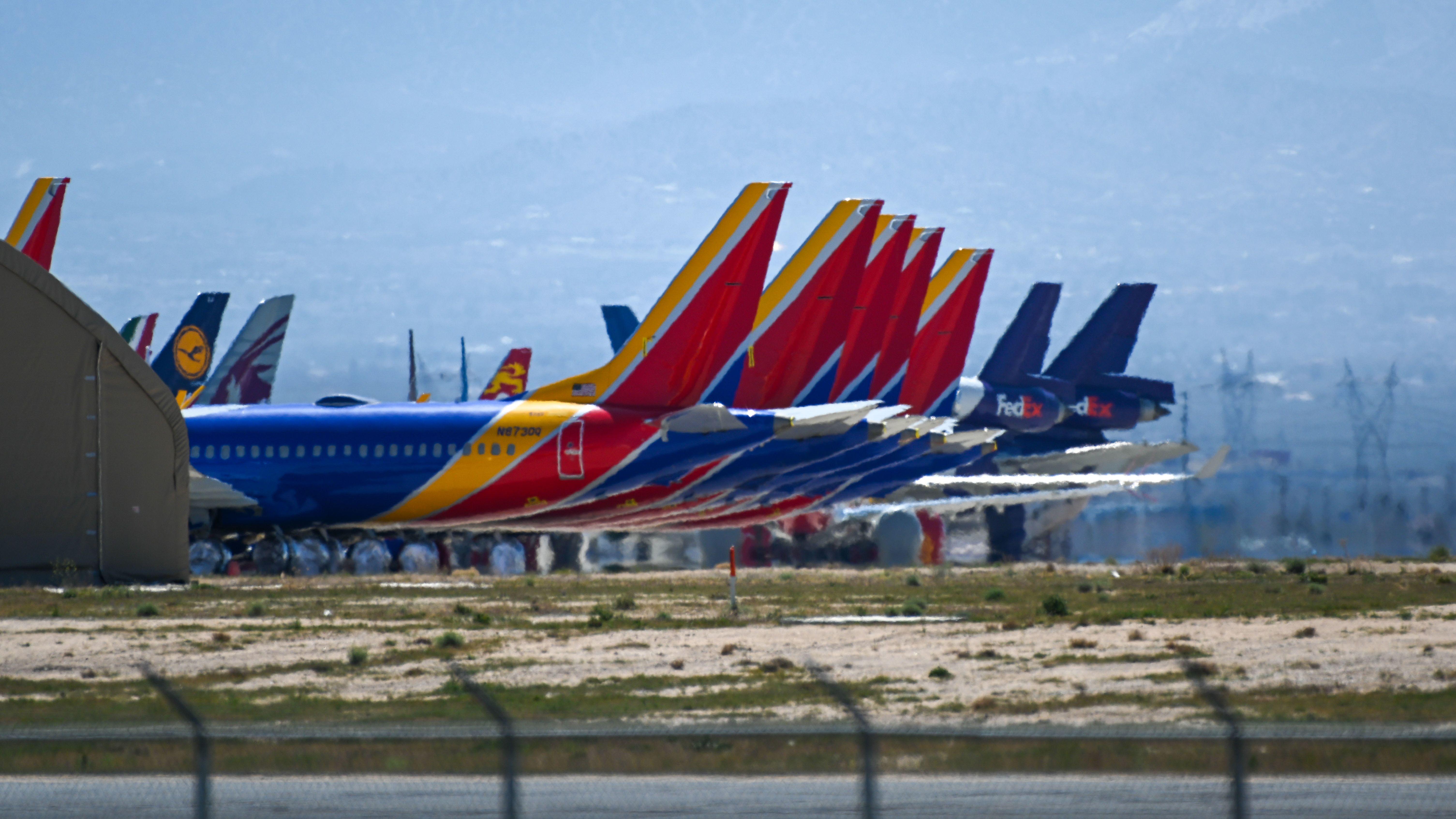 Geparkte Flugzeuge der Southwest Airlines vom Typ Boeing 737 MAX 8 in Victorville in Südkalifornien